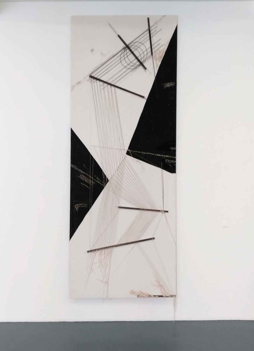 Maria Lai, Fili strappati alle stelle, 2005, tessuti ferro e tecnica mista su tavola, cm 364x140